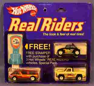 Hot Wheels Real Riders 3-car special pack on sealed
