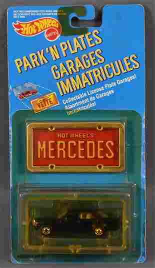 Hot Wheels Park n Plates Mercedes 380 SEL on sealed