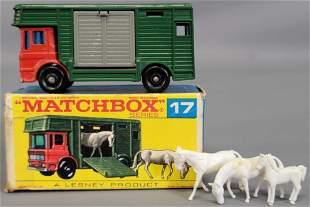 Lesney Matchbox #17 New Horse Box in original box