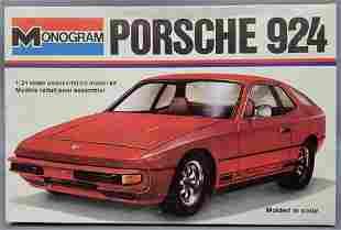 Monogram Porsche 924 1:24 scale model kit 2106 Mint