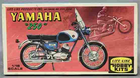 Factory sealed Life-Like Yamaha 250 1/16 scale model