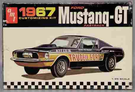 Unbuilt AMT 1967 Ford Mustang GT fastback 1/25 scale