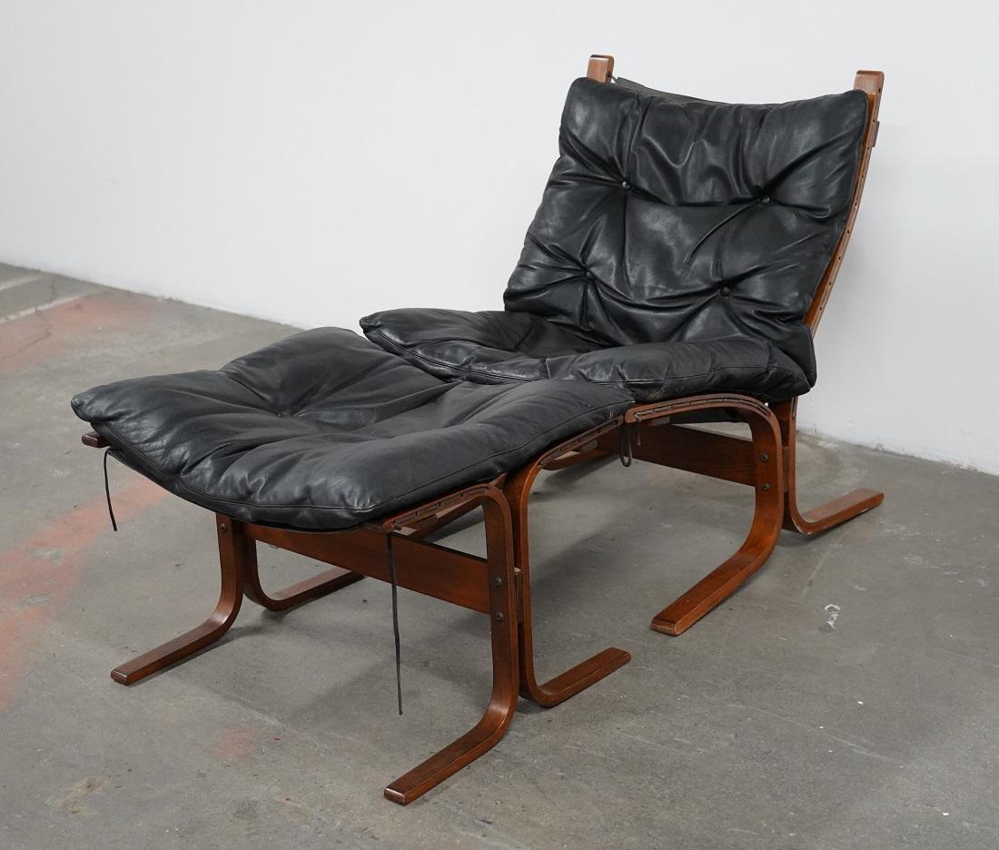 Westnofa Siesta High Back Sling Lounge Chair and