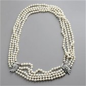 Pearls necklace and bracelet