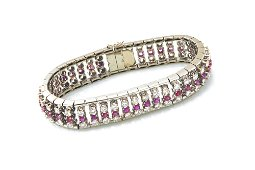 Bracelet in white gold with diamonds and rubies
