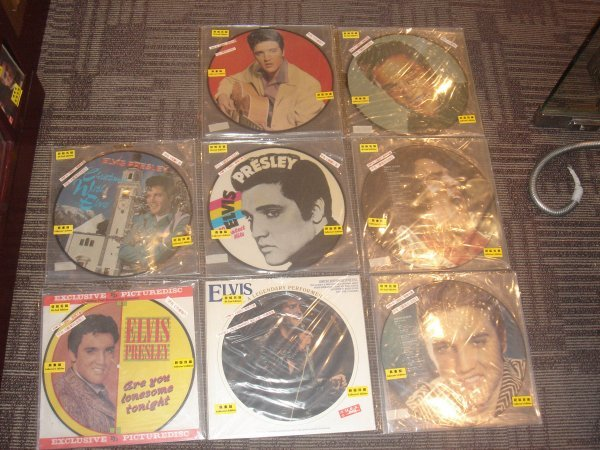 76: ELVIS PRESLEY 8 PICTURE DISC COLLECTION