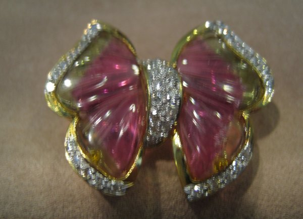 104: 1PC 18KT GOLD DIAMOND TOURMALINE BROOCH
