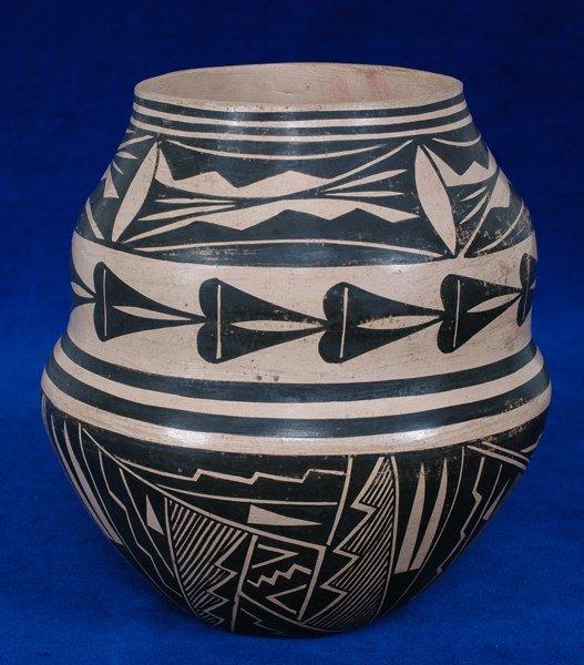 "14:  Acoma Pottery Jar Mid 20TH C. 7"" H. 6 1/2"" D. Good"