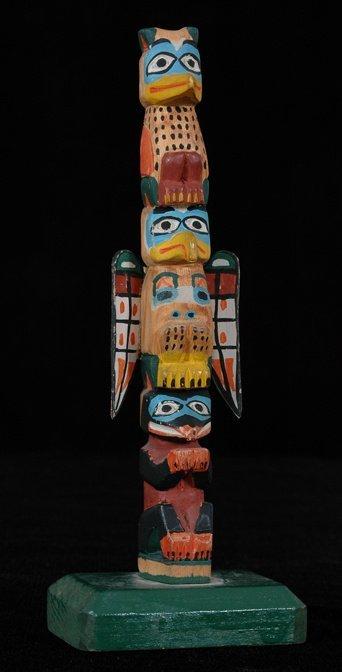"""22: Tlingit Three Figure Totem ca. 1930 11"""" H. Fine Con"""