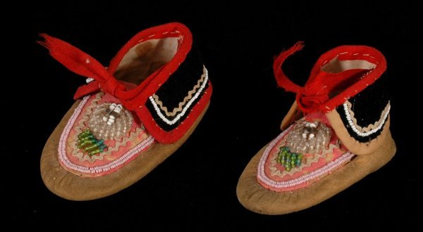 12: Pair of 19TH C. Iroquois Beaded Baby Moccasins