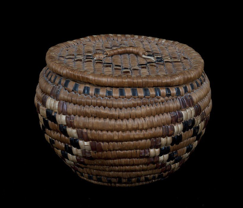 2: Lillooet Lidded Trinket Basket with Diamond Design,