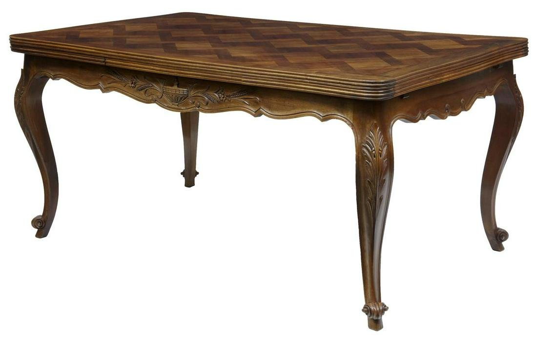 20TH CENTURY FRENCH WALNUT PARQUETRY EXTENDING DINING