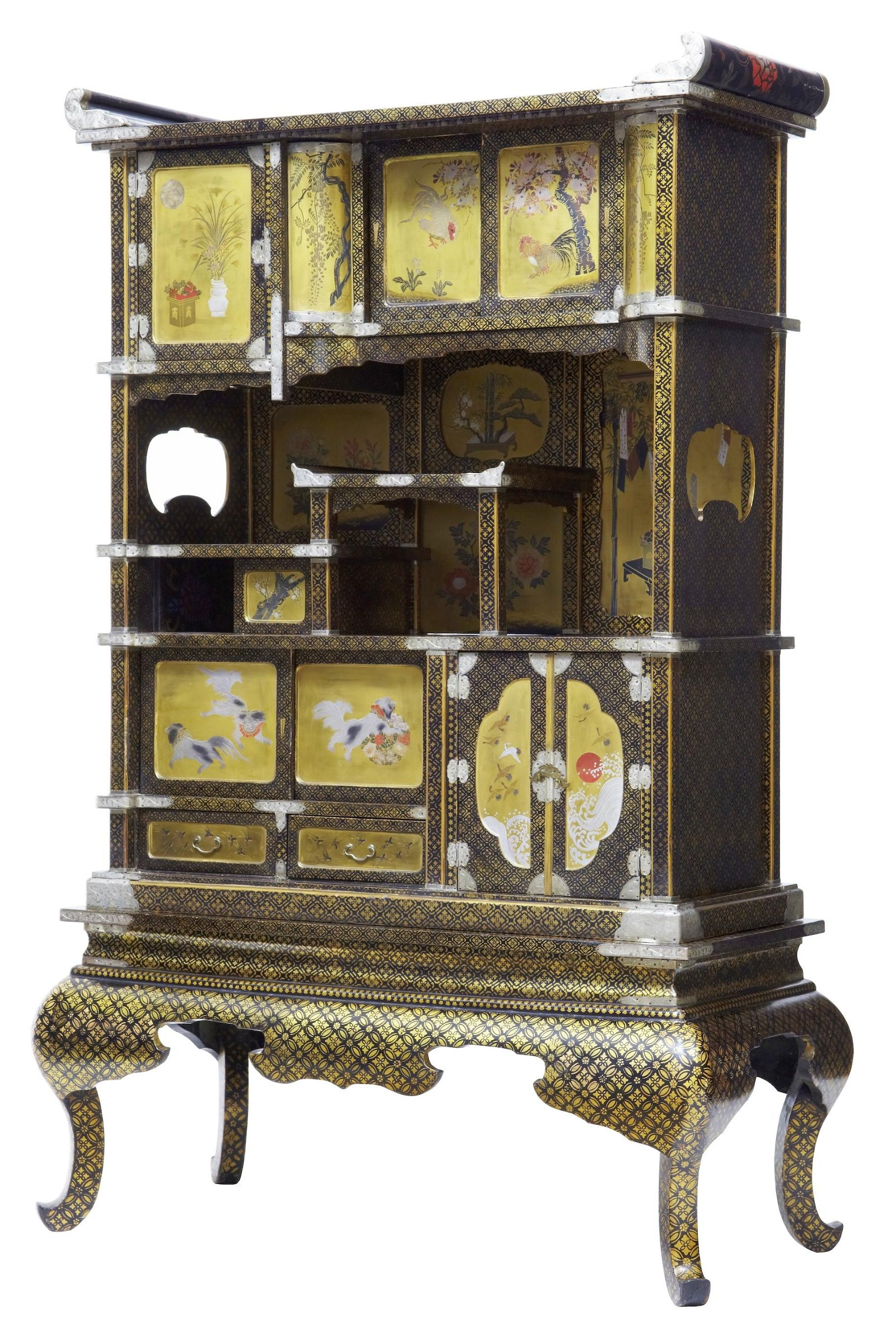 19TH CENTURY JAPANESE BLACK AND GOLD LAQUERED DISPLAY