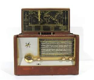 1958 Silvertone Wayfarer Briefcase AM/Shortwave Radio