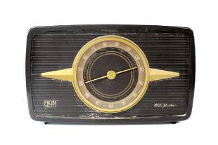 RCA Victor Model 1R81 Livingston Bakelite Radio