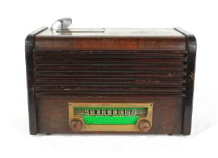 1947 Radiomatic 25 Cent Wooden Coin Operated Radio