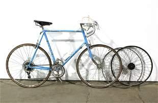 "Fuji Vintage Men's ""Dynamic 10"" 10-Speed Bicycle"
