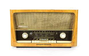 Grundig Majestic Model 3028 Radio