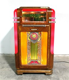 Wurlitzer Model 600 Coin Operated Jukebox