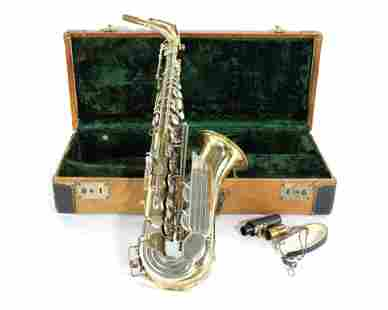 King Saxophone in Case