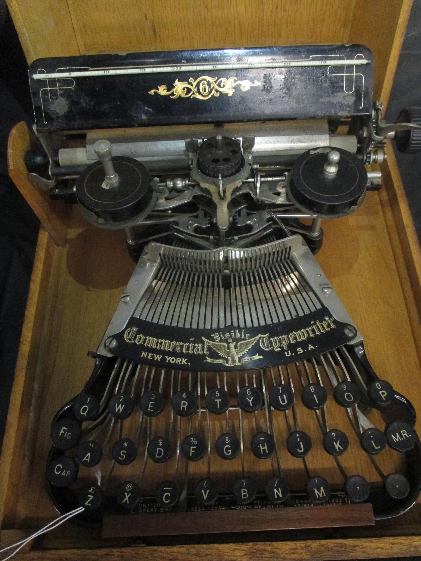 ANTIQUE COMMERCIAL VISIBLE TYPEWRITER