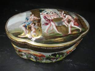 Capodemonte Covered Porcelain Box