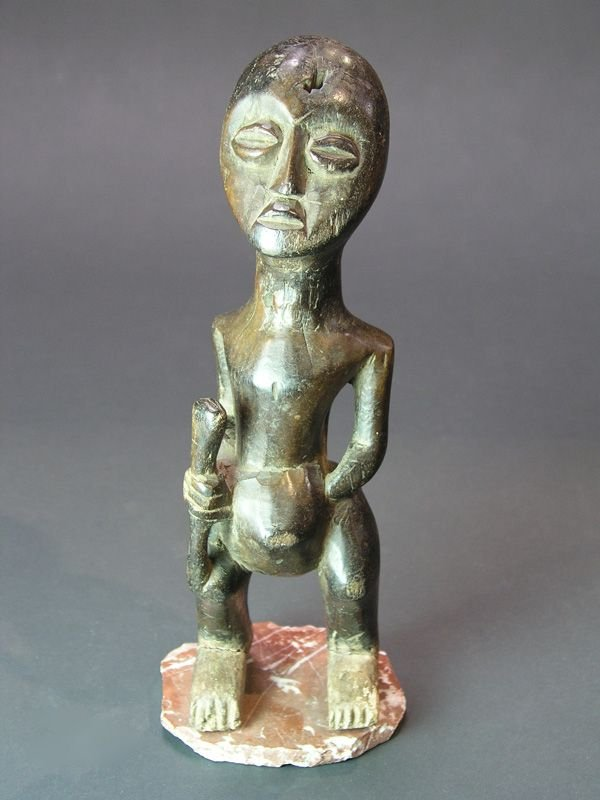 988: AFRICAN WOOD LEGA FETISH