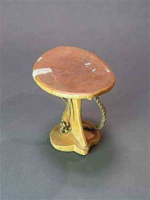 AFRICAN WOOD HEAD REST