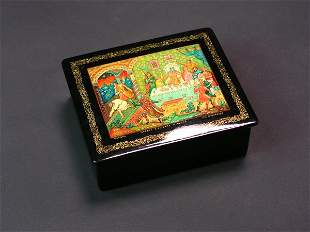 RUSSIAN LACQUER DECORATED HINGED RECTANGULAR BOX