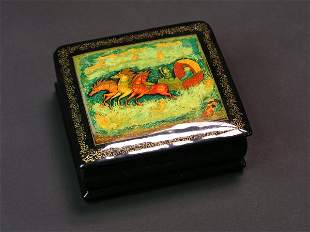 RUSSIAN LACQUER DECORATED HINGED, FOOTED RECTANGU