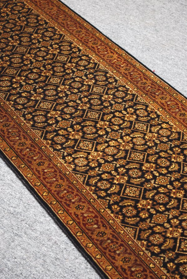 4: Indian Heratin Handmade Rug 100% Wool 2.6 x 19.6