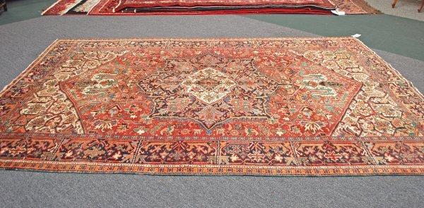 9: Handmade Persian Heriz Rug 1940's 7.6 x 10.6