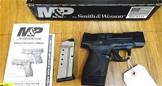 """S&W M&P 40 SHIELD .40 S&W Pistol. Like New. 3.125"""""""