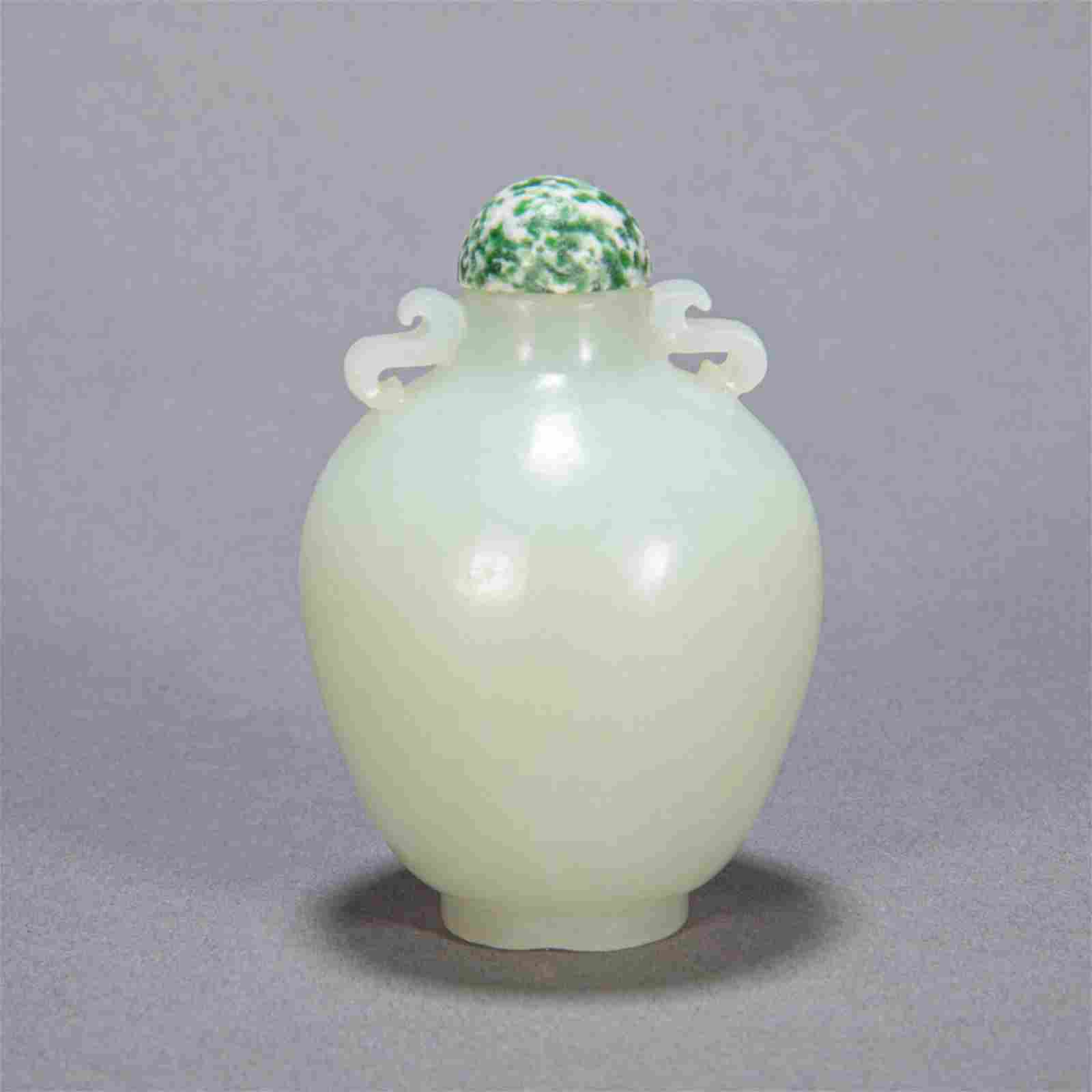 ANCIENT CHINESE HETIAN JADE SNUFF BOTTLE
