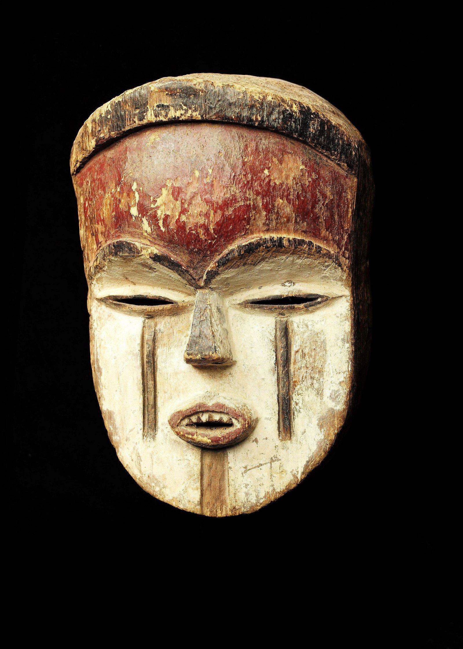 Masque Vuvi  Bois sculpté, pigments et kaolin