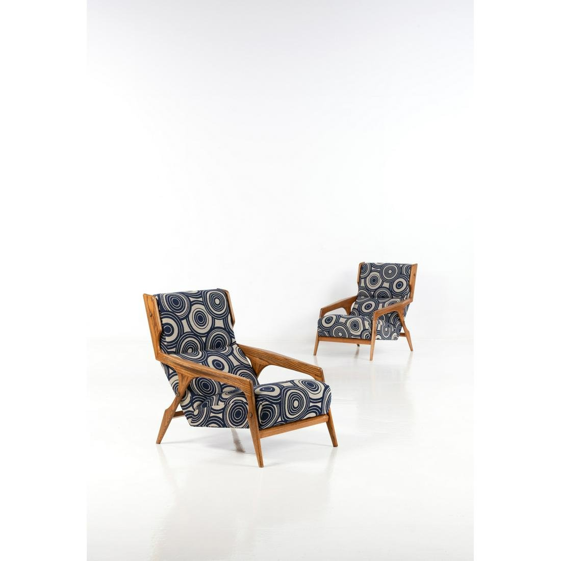Gio Ponti (1891-1979) Pair of armchairs Wood and fabric