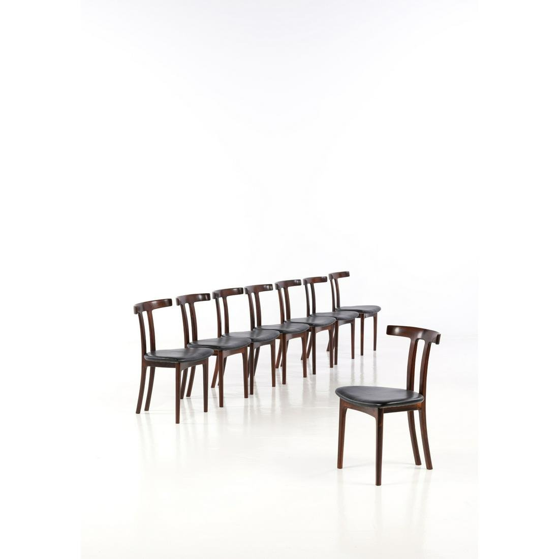 Ole Wanscher (1903-1985) T-chairs Set of eight chairs