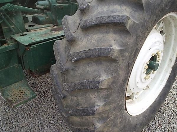 97: NICE OLIVER 1655 DIESEL TRACTOR !!WIDE FRONT!! - 2