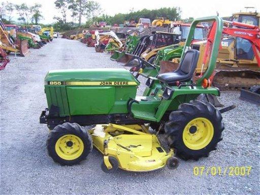 1037: NICE JOHN DEERE 855 TRACTOR 4WD MID MOWER 501 HRS