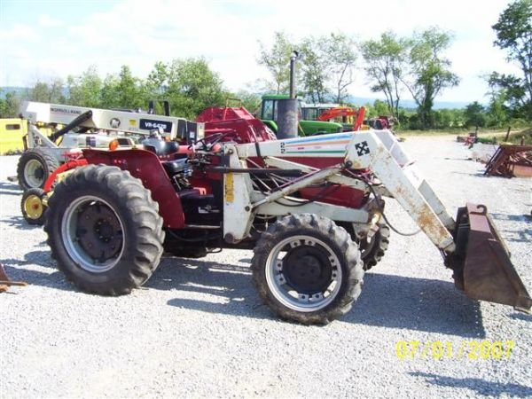 1098: CASE IH 385 4WD TRACTOR WITH FRONT LOADER  - 6