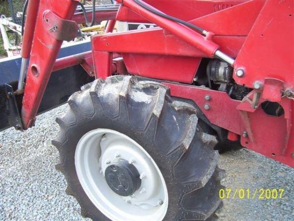 1101: NICE CASE IH 895 4WD TRACTOR W/CASE IH LOADER 200 - 3