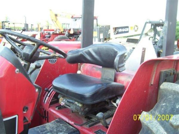 1101: NICE CASE IH 895 4WD TRACTOR W/CASE IH LOADER 200 - 5