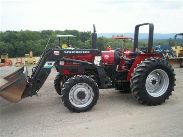18: NICE CASE IH C 70 4WD TRACTOR W/QUICKIE LOADER