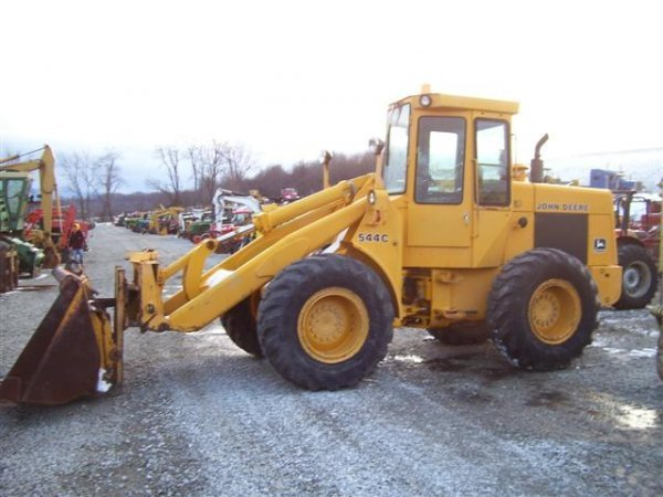 157: JOHN DEERE 544C WHEEL LOADER W/CAB/HEAT/FORKS/BUCK