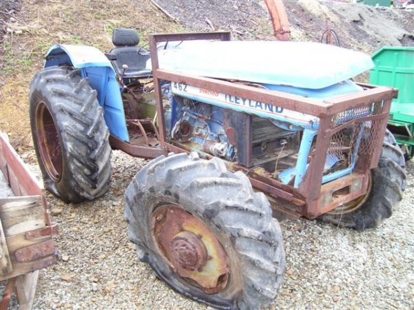 10: 462 LEYLAND 4WD FARM TRACTOR FOR PARTS
