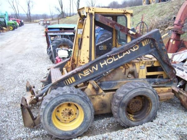 """14: NEW HOLLAND L555 DELUXE SKID STEER LOADER """"AS-IS"""""""