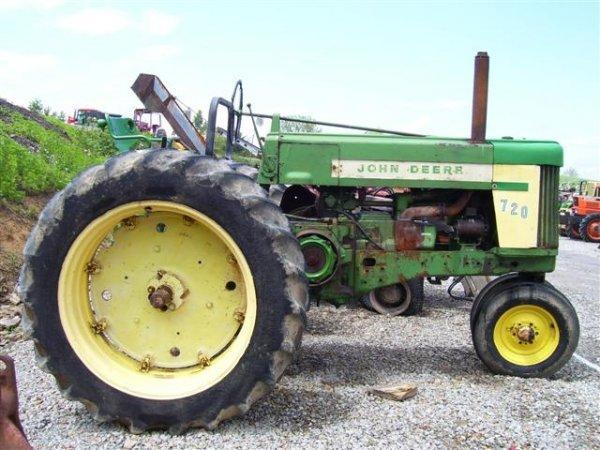 11: JOHN DEERE 720 DIESEL ANTIQUE FARM TRACTOR