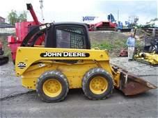 66: JOHN DEERE 250 SKID STEER W/CAB/HEAT/AIR-684 HRS