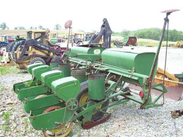 1014 Nice John Deere 494a 4 Row Corn Planter