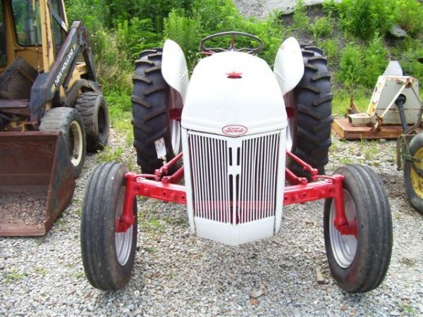 1018: NICE FORD 8N FARM TRACTOR W/3PT AND PTO
